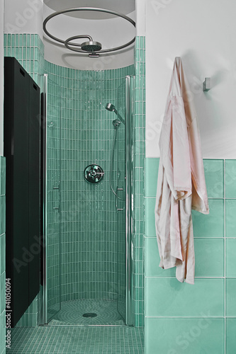 Doccia in muratura in bagno moderno immagini e - Bagno in muratura moderno ...