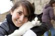 adolescente avec un chat