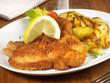 Paniertes Schnitzel mit Bratkartoffeln