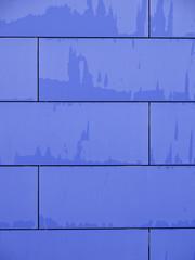 Pared azul de ladrillos