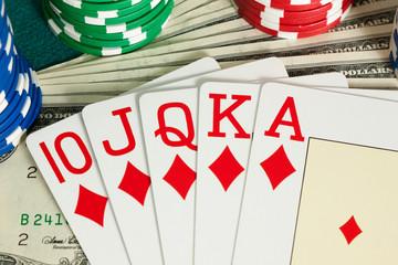 Winning with royal flush in casino