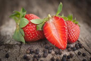 Erdbeeren, Pfefferkörner