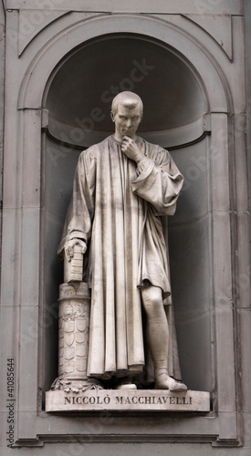 Statue of Machiavelli