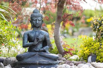 Bilder und videos suchen handhaltung - Buddha figur garten ...