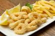calamari fritti con patatine
