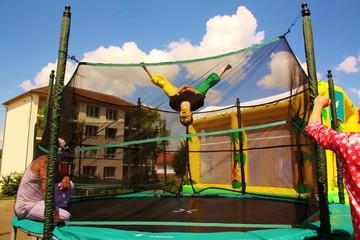 Figure, saut périlleux, salto cirque clown portrait