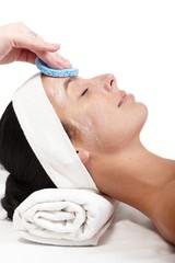 Removing facial cream