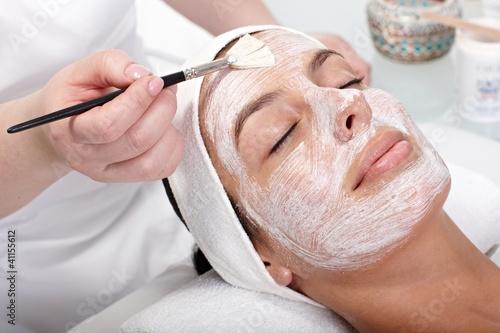 Beauty treatment at beautician - 41155612