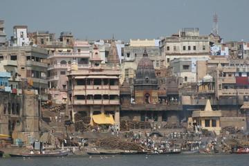 Varanasi - Bestattungsbereich am Ufer