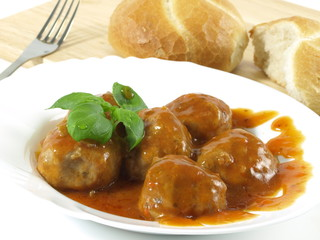 Meatballs dish with bread
