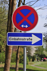 Schild Einbahnstraße