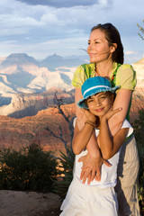mère et fille au Grand Canyon