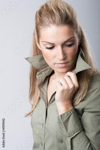 Selbstsichere Frau