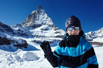 Junge vor Matterhorn