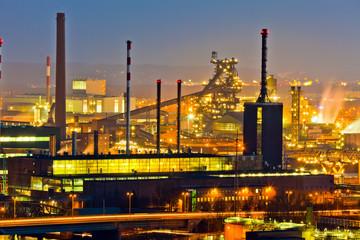 Industrie Gelände bei Nacht
