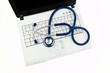 Stethoskop auf Laptop. Daten Sicherheit im Interne