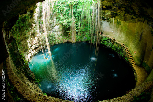 Ik-Kil Cenote, Chichen Itza, Meksyk
