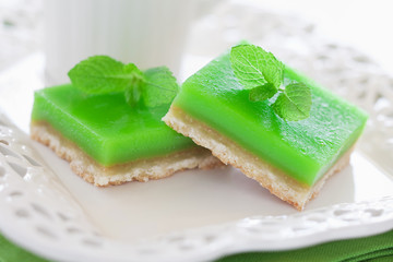 Lime mint cookie bar