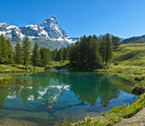 Fototapety Blue lake and Mount Cervino