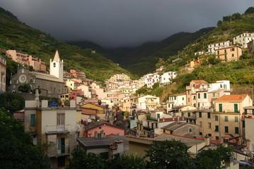 Riomaggiore antes de una tormenta de verano