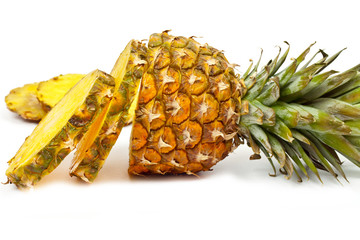 sliced  pineapple ​​