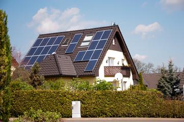 Haus mit Solarzellen