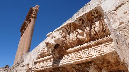 Columnata de las ruinas de Baalbek, Líbano