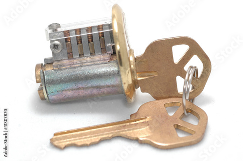 Cutaway lock with wrong key