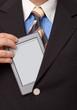 e-Reader,  ebook wird aus dem Sakko gezogen