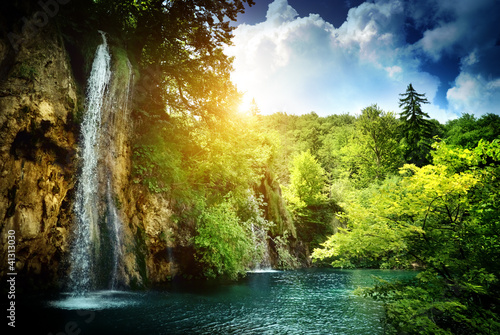 waterfall in deep forest - 41313030