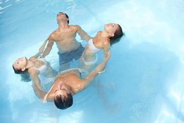 Wasseryoga im Pool