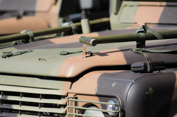 Fuoristrada militare mimetizzato
