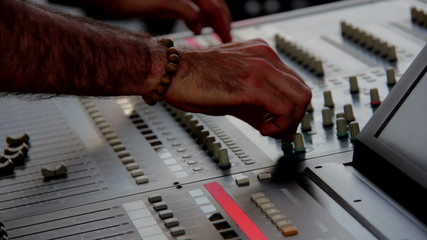 Hand of the sound producer