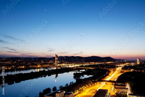 Wien an der Donau, Abendaufnahme