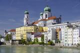 Fototapety Historische Altstadt von Passau mit dem Dom