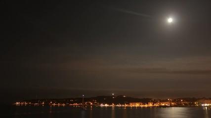 Lune sur le Cap d'Antibes