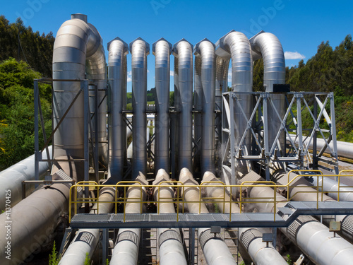 Pipeline installation for distribution and supply