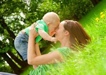 zuneigung mama und kind