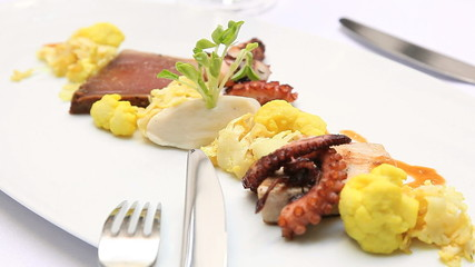 Sauted Pulpo with Cauliflower