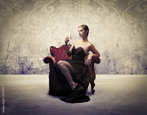 Raffinate woman