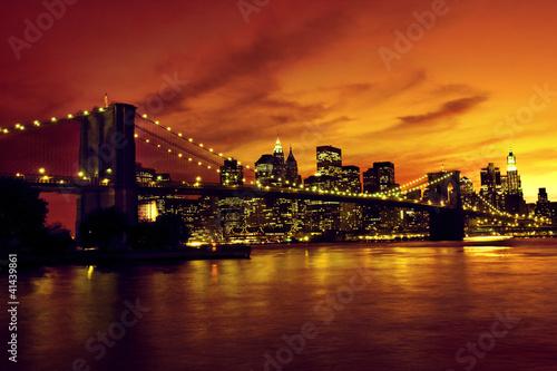 most-brooklynski-i-manhattan-przy-zmierzchem-nowy-jork