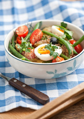 Nisoise salad in the bowl
