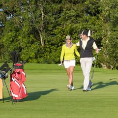 vergnügte Golfer