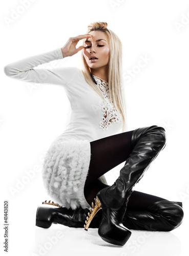 beautiful fashionable woman isolated on white background © VIKTORIIA KULISH