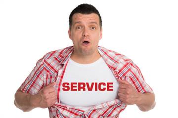 begeisterter mann kündigt den service an