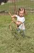 petite fille jardinier