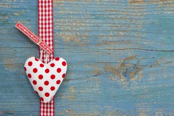 Herzliche Glückwünsche - rot gepunktetes Herz