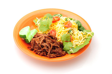shredded beef brikset and salad meal