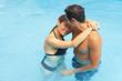 Glückliches Paar im Wasser