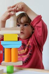 enfant jeu équilibre formes